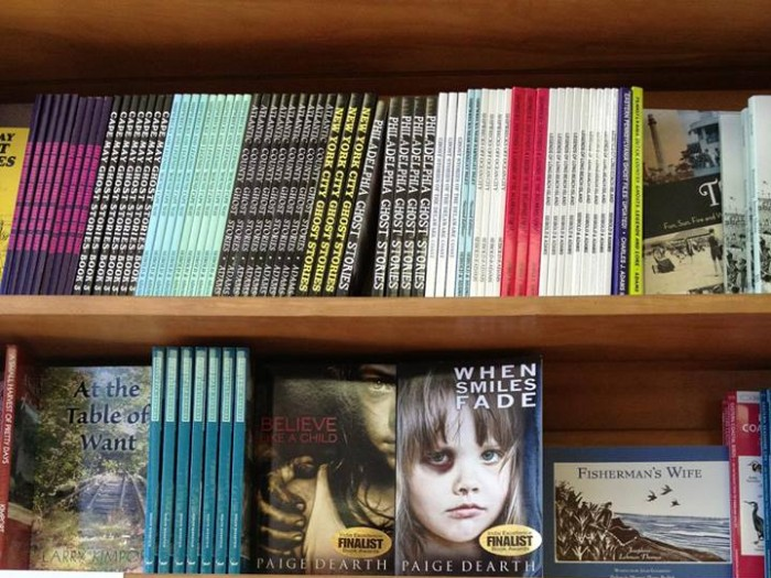 PAIGE DEARTH HITS SEA ISLE CITY, NJ BOOKSTORE – STEP ASIDE HURRICANE SANDY, YOU AIN'T SEEN NOTHING YET!!!